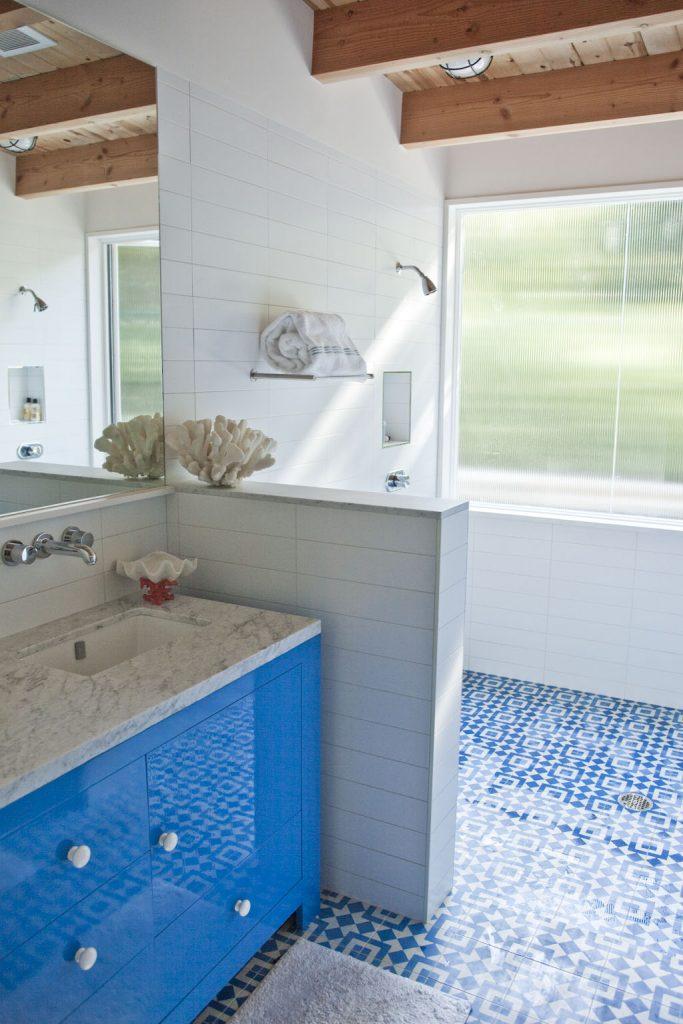granada-tile-bright-blue