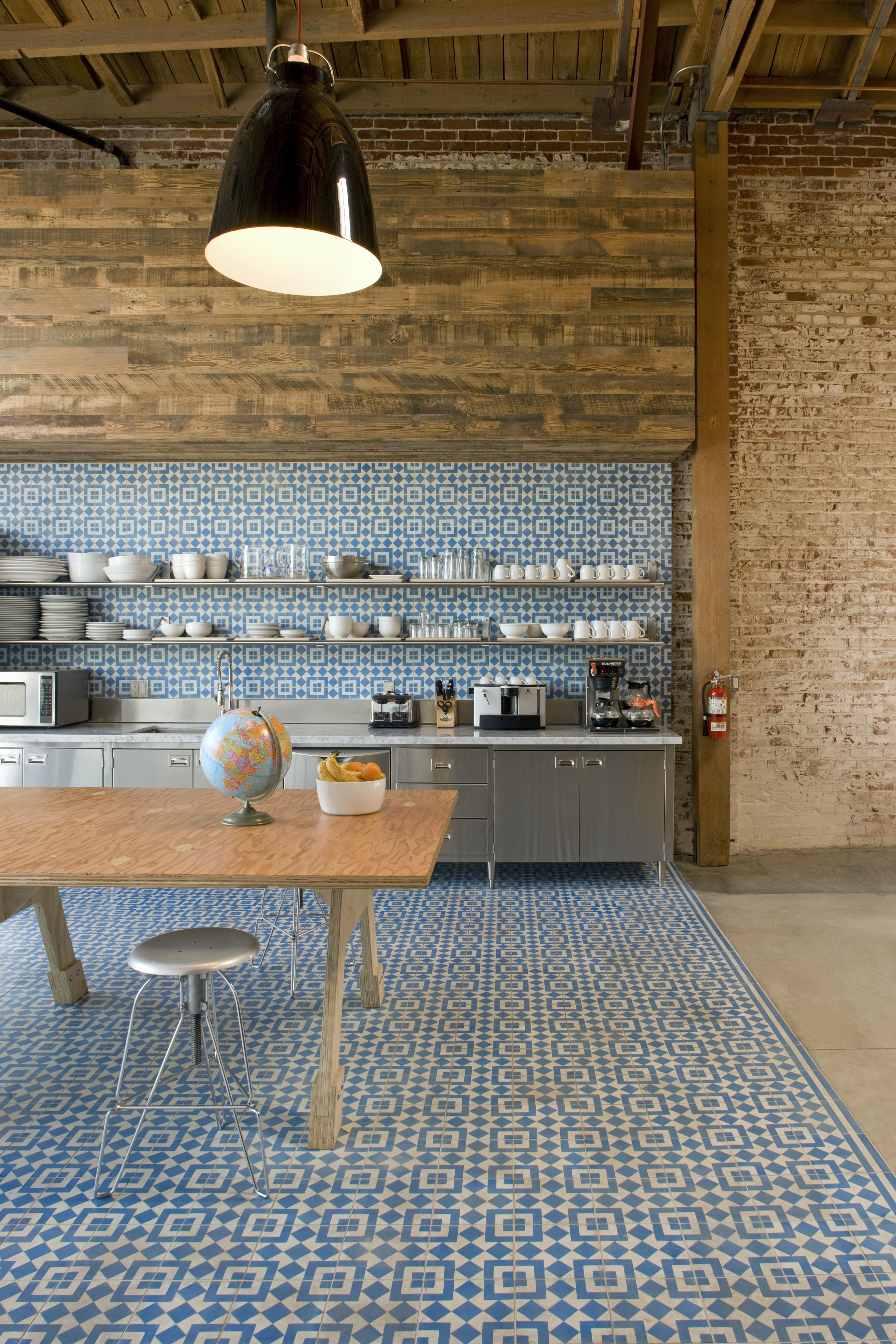 Commune-Kitchen-Sofia+-Granada-Cement-Tile