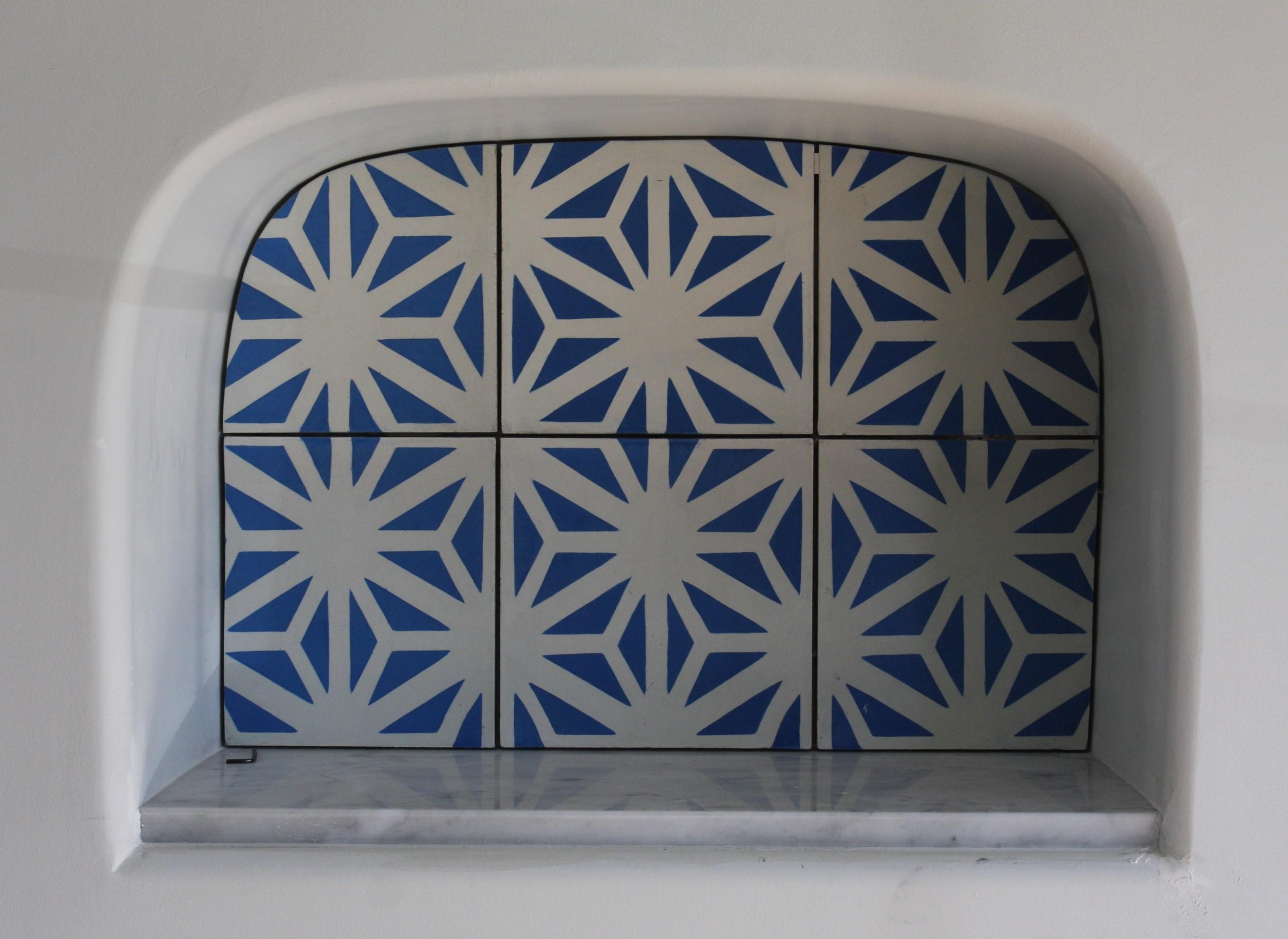 Droplet tile pattern