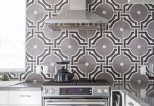 Hatchworks uses Granada Tile's Castelo pattern for Kitchen tiles