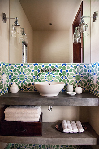 cool beach bathroom backsplash featuring Granada Tile's Moroccan-inspired Alhambra design