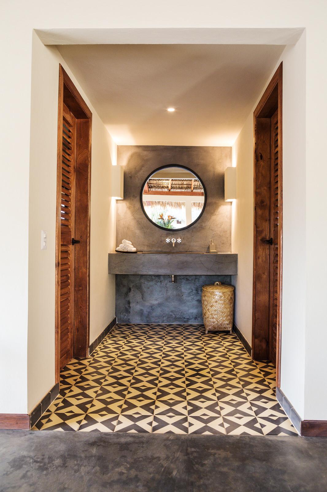 New Nicaragua Hotel Meson Nadi Includes Granada Tile